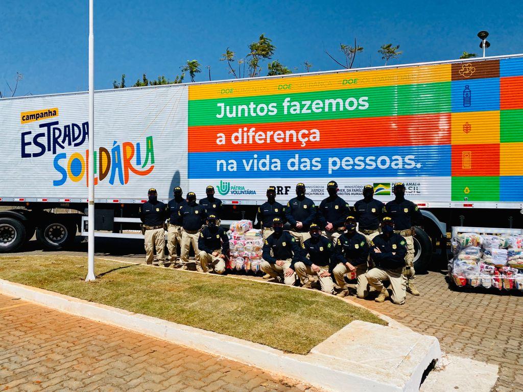 Campanha Estrada Solidária da PRF arrecada mais de 68 toneladas de alimentos no RS