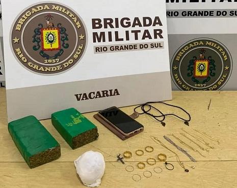 Brigada Militar de Vacaria prende homem por tráfico de drogas