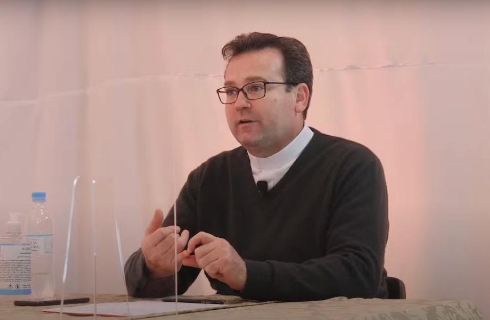 """Vídeo: Assista o quinto programa """"20 Minutos"""", com o padre Ricardo Fontana"""
