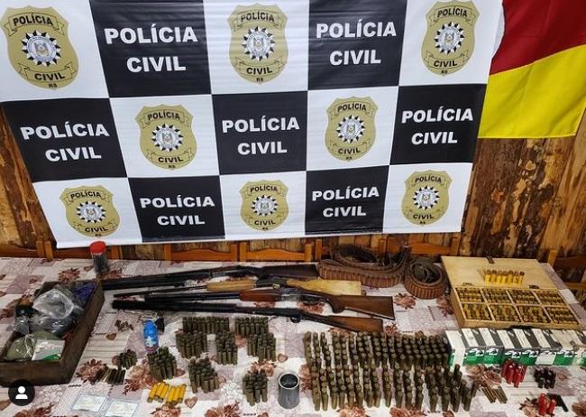 Polícia Civil apreende armas e munições no interior de Carlos Barbosa