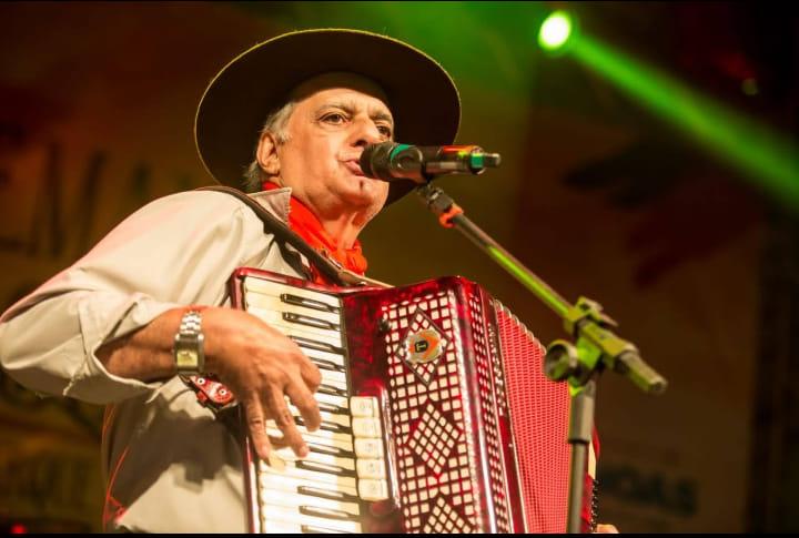 Morre o cantor tradicionalista Iedo Silva, aos 74 anos