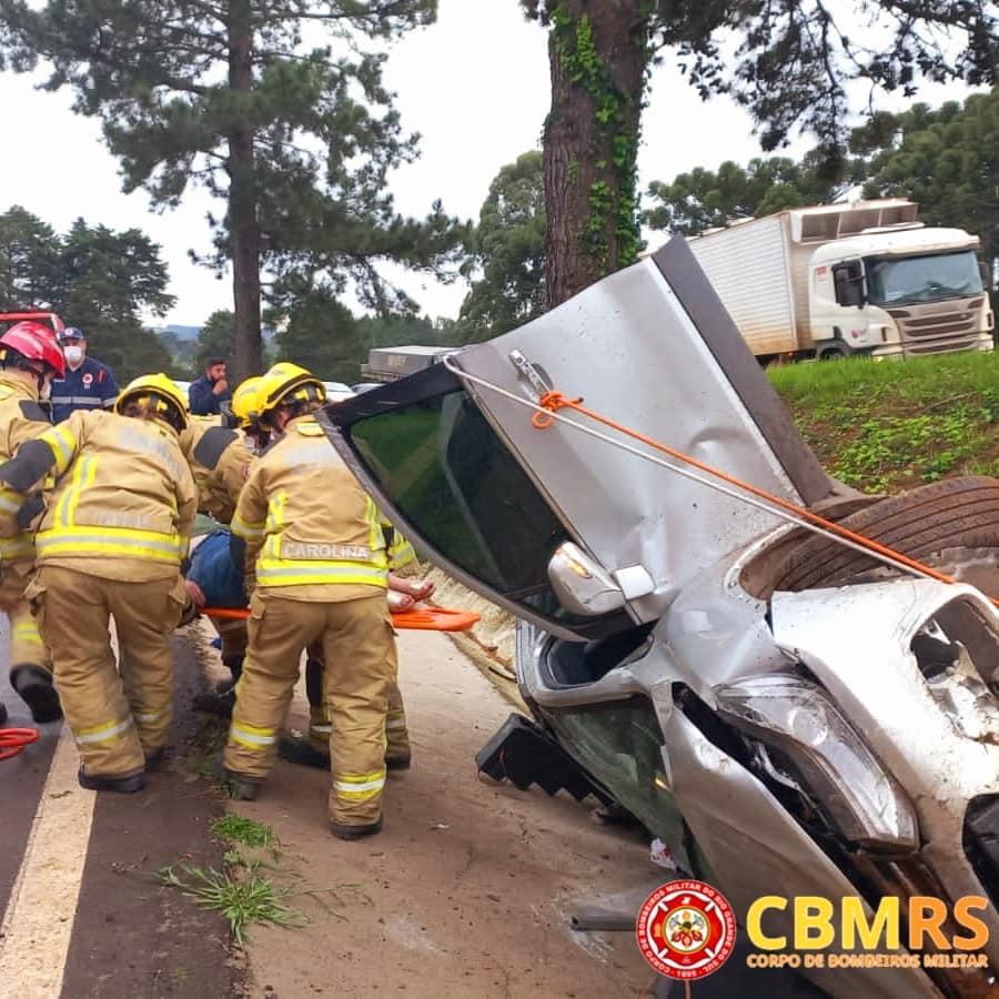Acidente deixa duas pessoas feridas na BR-470 em Vila Flores