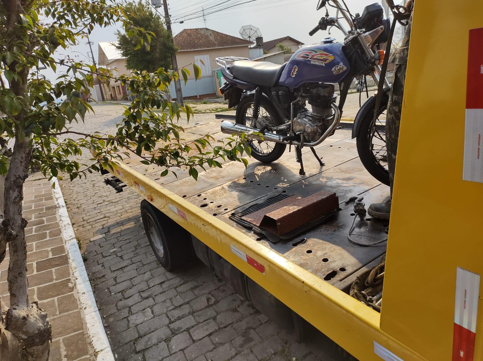 Guarda Civil Municipal recolhe motocicleta com mais de R$ 7 mil em multas em Bento