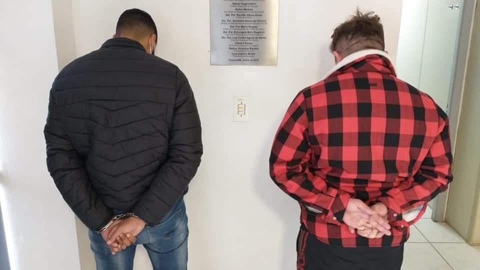 Criminosos que extorquiam comerciantes são presos em Taquara