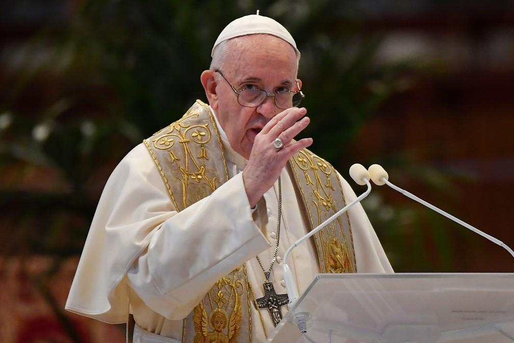 """Papa Francisco denuncia """"escravidão"""" das mulheres"""