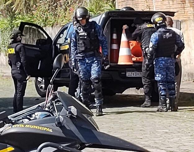 Foragido é preso pela GCM no bairro São Francisco, em Bento