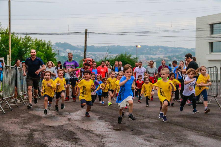 Prática de atividades físicas deve ser incentivada ainda na infância, garante especialista