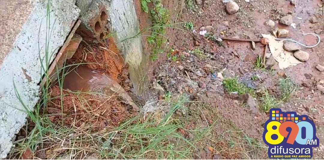 Após presença da reportagem da Rádio Difusora, Corsan realiza reparo de vazamento de água no São Roque, em Bento