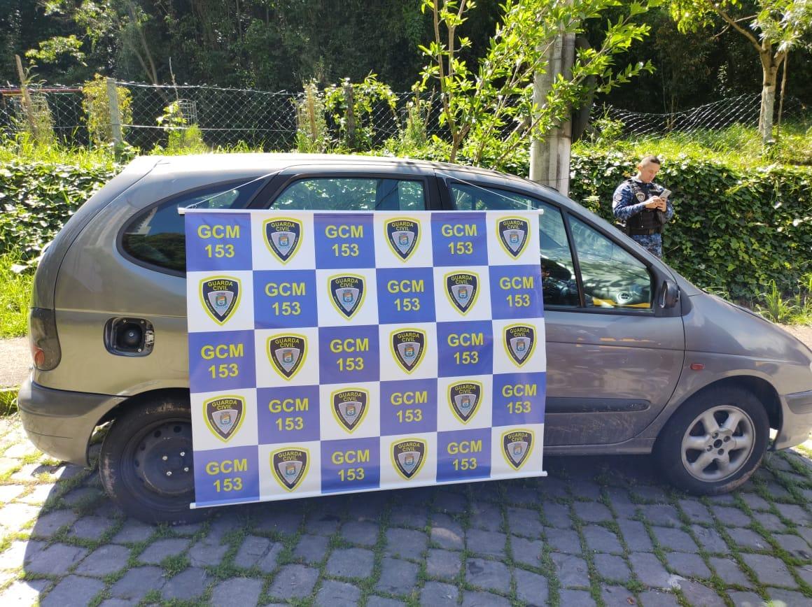 Guarda Civil Municipal apreende veículo irregular no São João em Bento