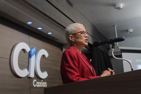 Beatriz Araújo desafia empresários a tornar Caxias a cidade que mais investe em cultura no RS