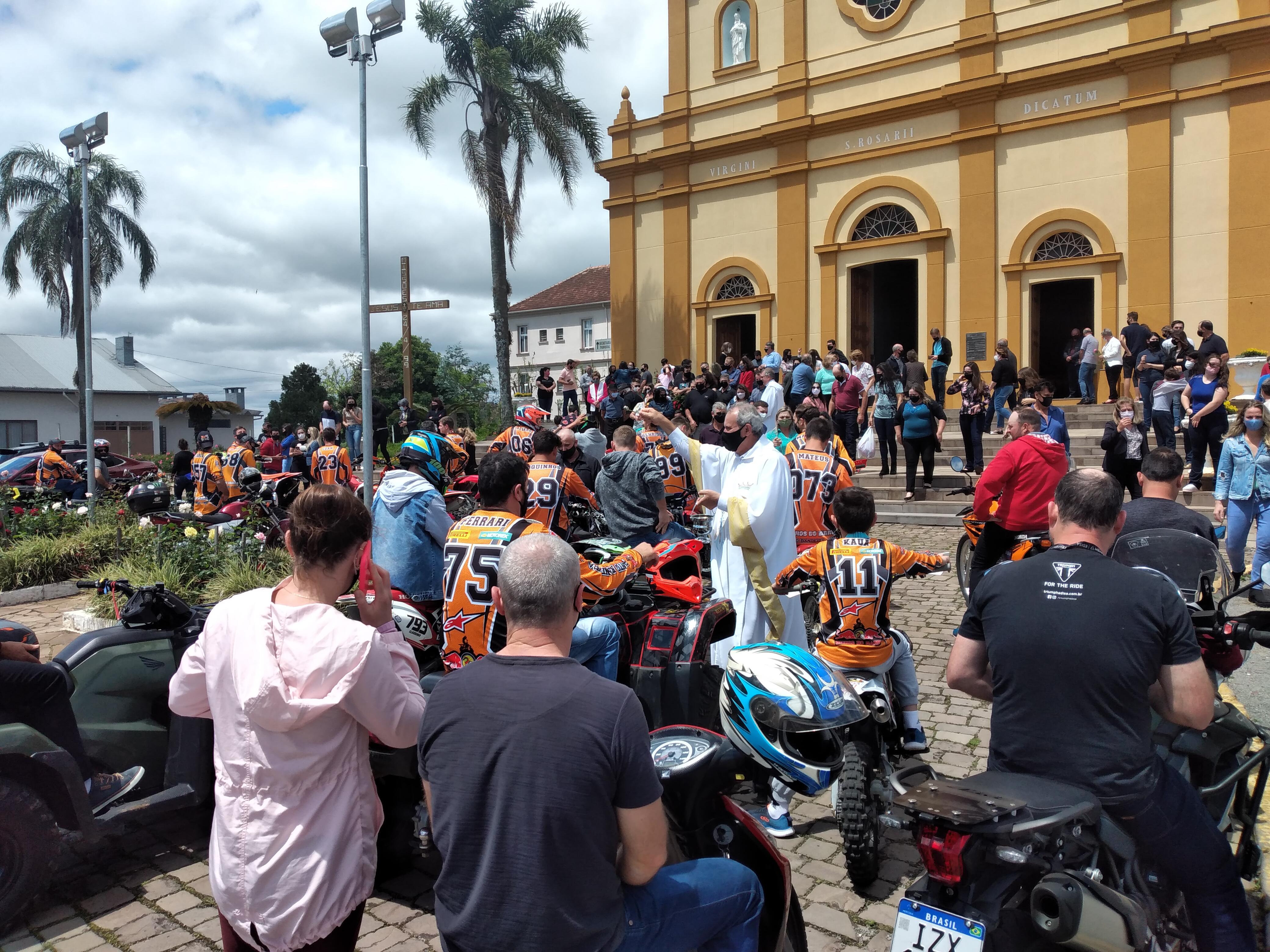 119ª Romaria e Festa em honra aNossa Senhora do Rosário de Pompéia é celebrada em Pinto Bandeira