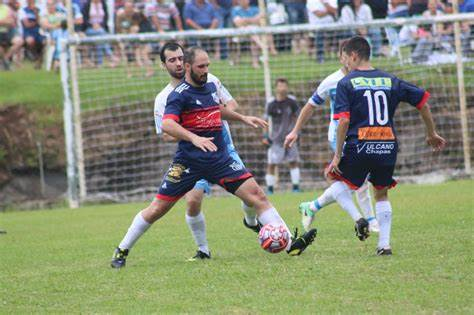 Copa Entre Vinhas de Futebol tem finais neste domingo, em Bento